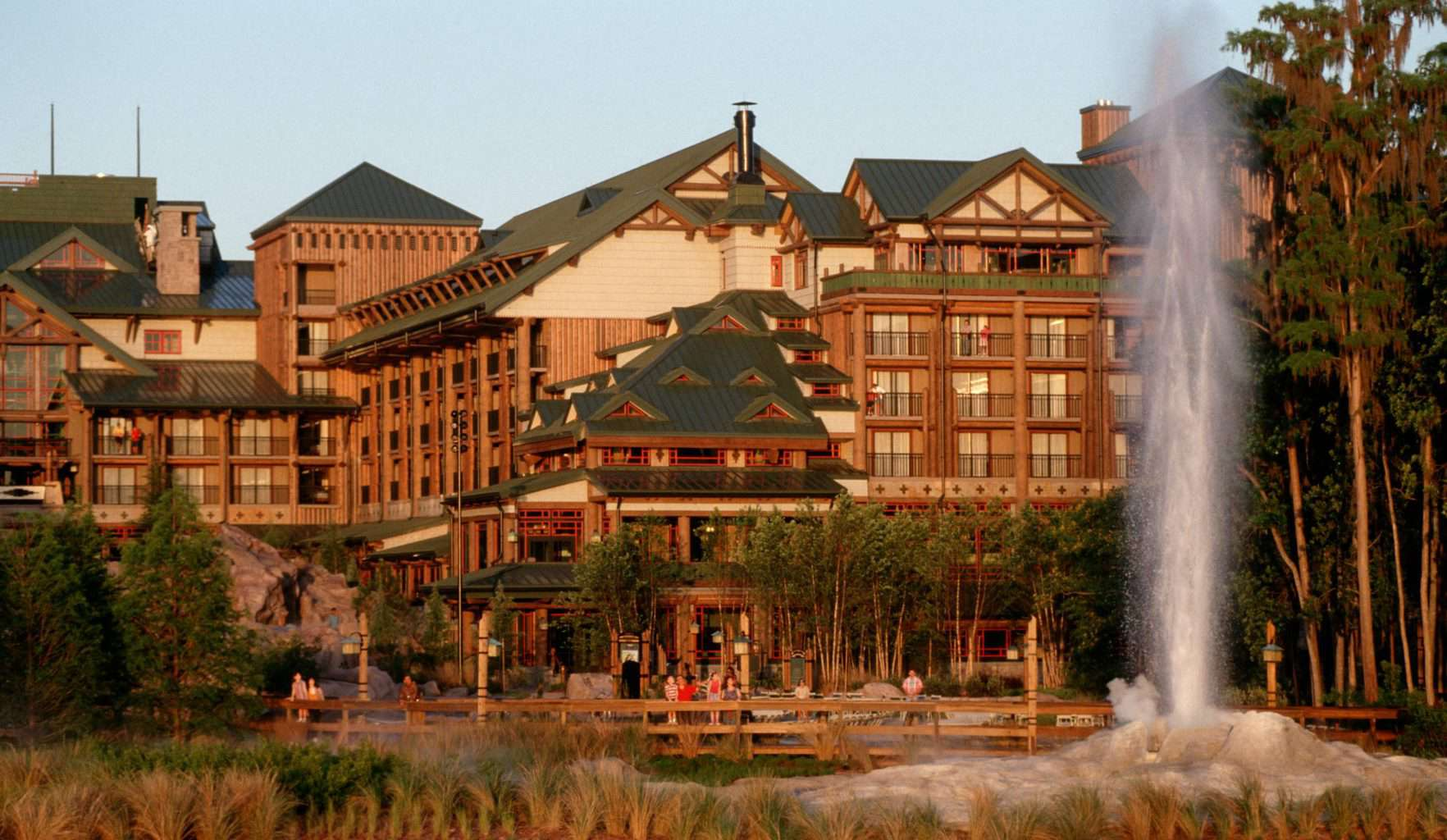 There's no other place like it on earth! Disney's Animal Kingdom in Florida guarantees you and your family the vacation of a lifetime!Whether you're looking for beloved Disney Characters, thrilling attractions, splashing water parks, a relaxing beach (including heavenly health spas), world renowned restaurants, discount Disney's Animal Kingdom tickets, top stores plus designer outlets.